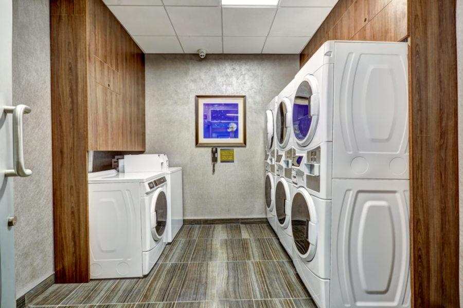 Hilton_Guest_Laundry_HR0001