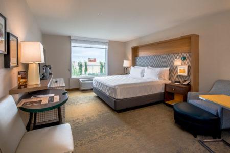 Holiday Inn -1